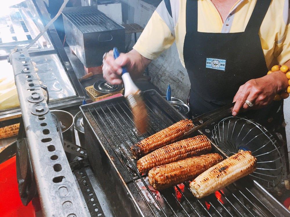 彰化大竹橋上烤穀佳傳統碳烤玉米攤 懷念的古早味